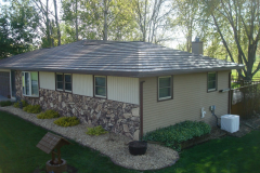 Rustic Metal Roofing Shingle in Mustang Brown
