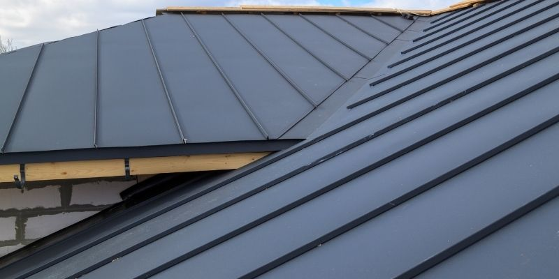 How Metal Roofs Hold Up in Strong Winds