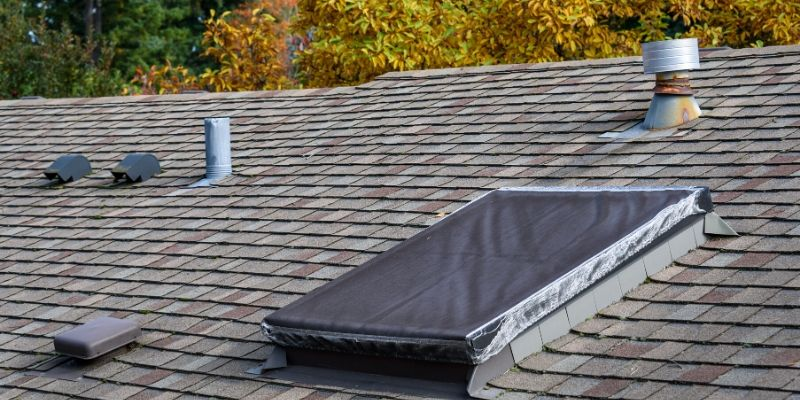 The Difference Between Metal Roofing and Asphalt Roofing